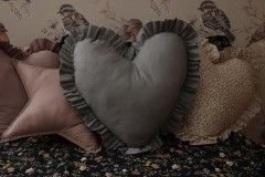 Heart with ruffle...