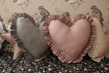 Heart with ruffles Cushion
